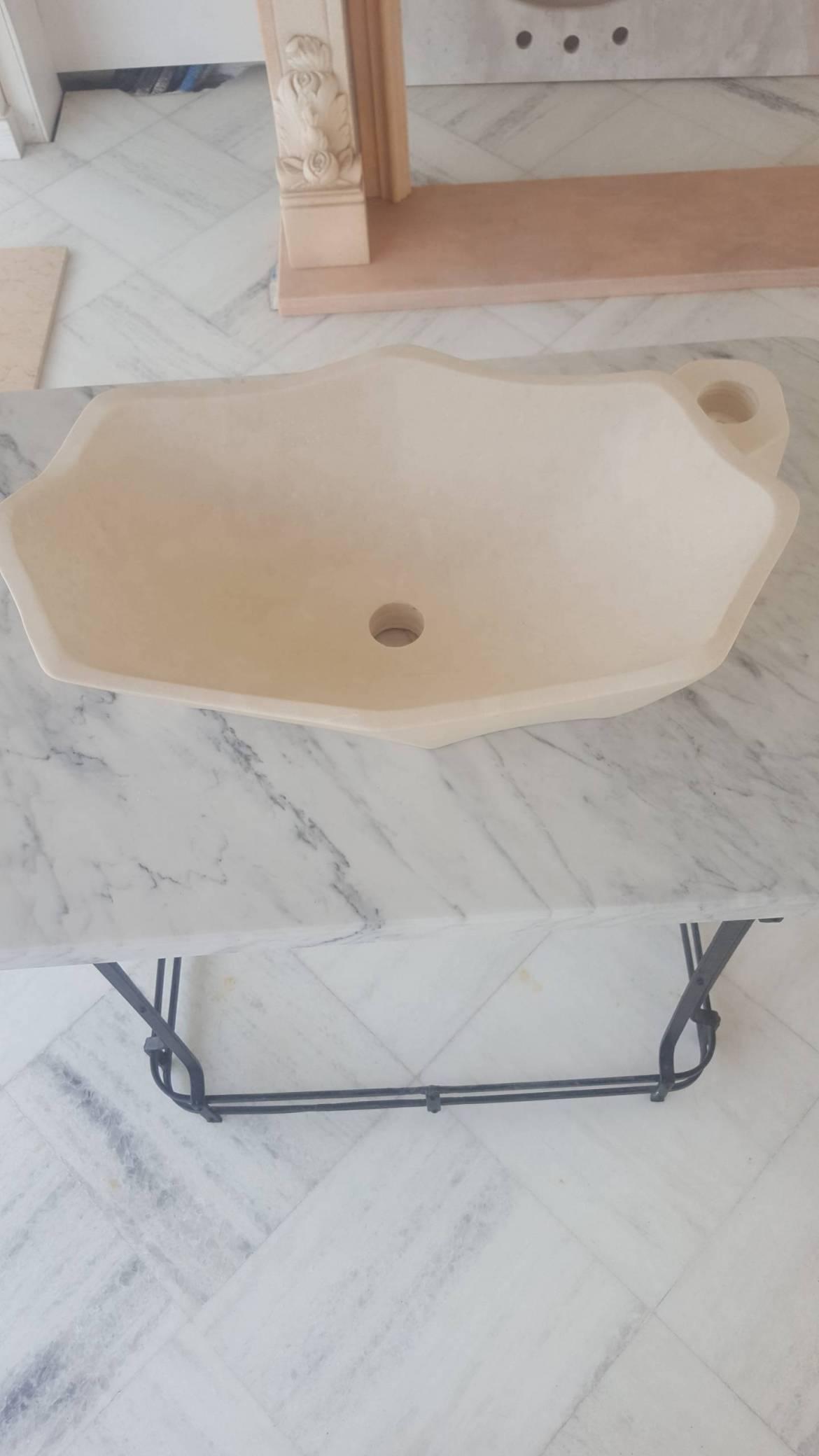 lavabo-da-appoggio-in-pietra-bianca-marfil-2-scaled.jpg