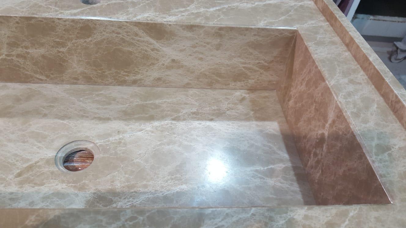 particolare lavabo integrato